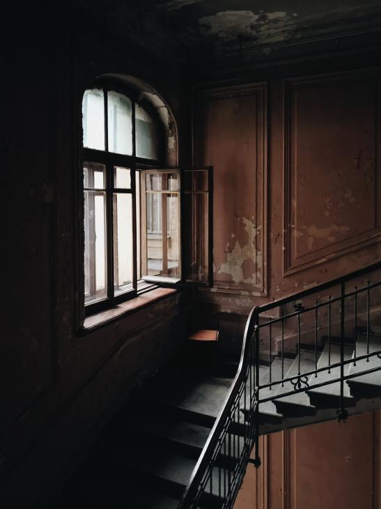 Maitseasi, aga mõne jaoks on pildil räämas ja lagunenud trepikoda, teise jaoks romantiline ja ehe keskkond